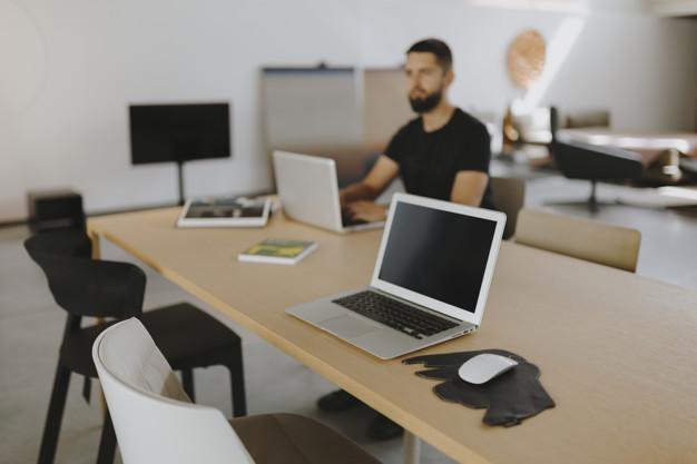 Ser CEO puede implicar sentirse aislado