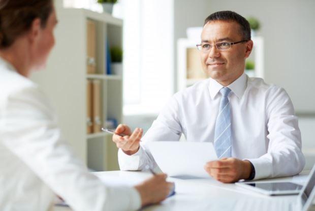 Mantén relaciones comerciales estables con tus clientes